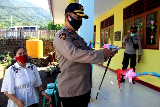 Gunting Pita, Kapolres Flotim Resmikan Gedung Wira Pratama TKK Kemala Bhayangkari 06 Larantuka