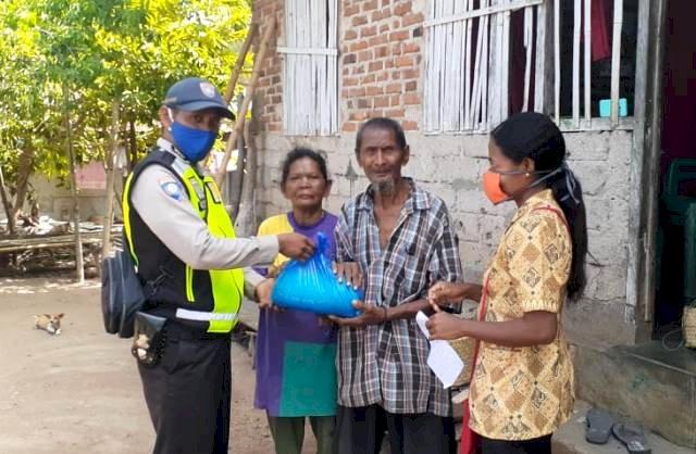 Bakti Sosial Polri Peduli, Brigpol Abong Distribusikan Bansos