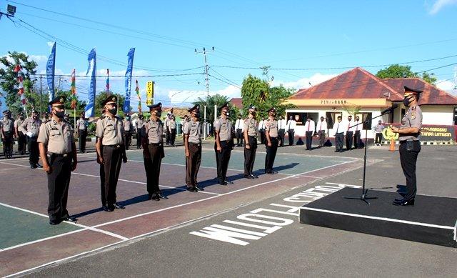 Polres Flotim Gelar Upacara Penganugerahan Tanda Kehormatan Bintang Bhayangkara Nararya Sekaligus Korps Raport Perwira Dan Kenaikan Pangkat