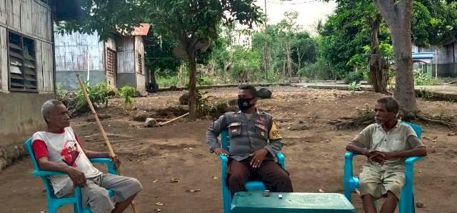 Jalin Silaturahmi, Bhabinkamtibmas Ile Boleng Bripka Kornelius Rajin Sambangi Tokoh Masyarakat