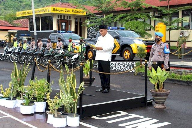 Bupati Flores Timur Pimpin Apel Gelar Pasukan Dalam Rangka Operasi Lilin Turangga 2020