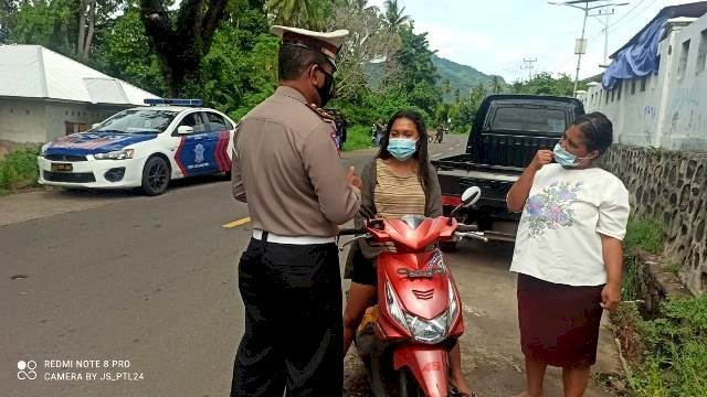Sat Lantas Polres Flotim Berikan Peneguran dan Penindakan Pelanggaran Serta Berikan Himbauan Tertib Berlalu Lintas Dan Pencegahan Covit 19