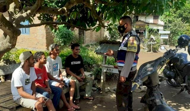 Peran Aktif Bhabinkamtibmas Sambangi Anak Muda desa Lite