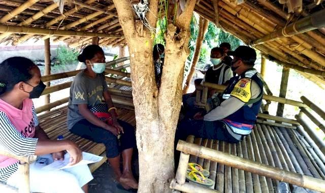 Terapkan Sistem DDS, Bhabinkamtibmas Bripka Andreas sapay Sambangi Desa Binaanya