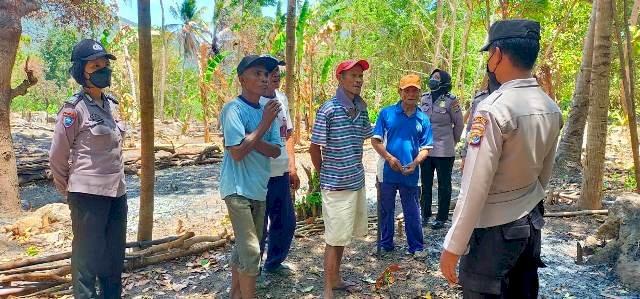 Satgas Ops Bina Karuna Ranakah Polres Flotim Datangi Warga Berikan Sosialisasi dan Himbauan Karhutla