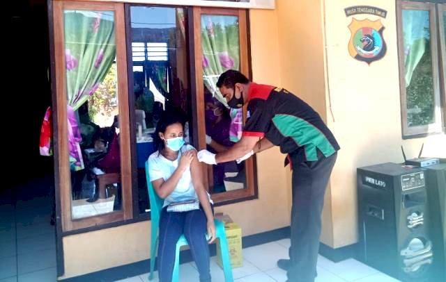 Polres Flotim kembali Layani Vaksinasi Covid-19 Dosis ke-2 Didesa Watowara