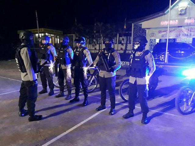 Dalam Rangka Cipkon Persiapan TDF 2017 Unit Raimas Polres Flotim Melaksanakan Patroli  Malam Hari