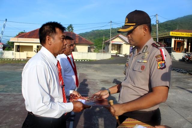 Lagi, Reward Diberikan Kapolres Flotim Kepada 4 anggota Sat Reskrim